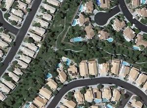 人工的に作られた公園と遊歩道@グーグルマップ