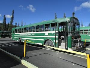 公園内のシャトルバス