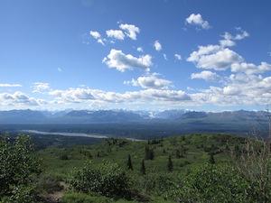 尾根から見たアラスカ連山