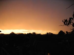 我が家から見た嵐の後のサンセット