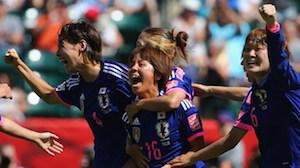 ゴールを喜ぶ日本チームのメンバー