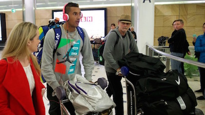 今日シドニー空港に到着したキリオス選手 by SMH