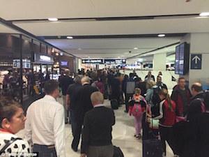 シドニー国際空港 by ABC News