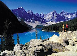 banff-lake-louise-tourism