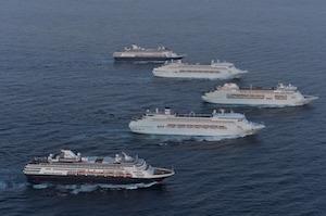 シドニー湾に入った豪華客船 by SMH