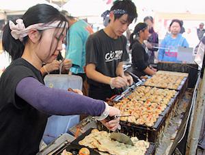 09_20130601_2010-Campsie-Food-Festival-2013_Colotako-@colotako--japanese-seafood-dumpling-stall
